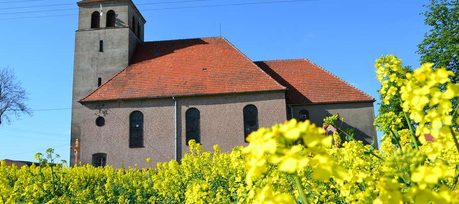 W kościele w Gwiździnach ponownie zabrzmią organy