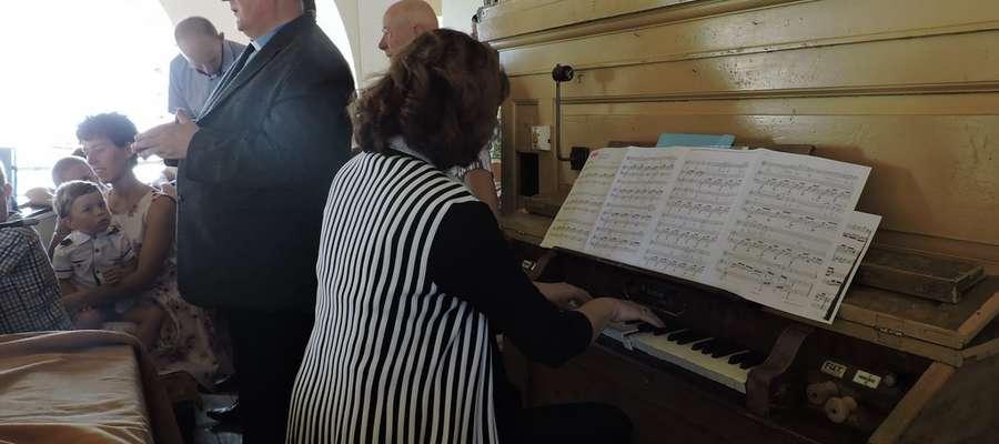 Po dwudziestu latach znów zabrzmiały kościelne organy w Gwiździnach