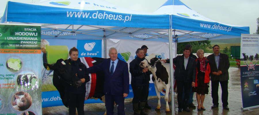 Odznaczenia jubilatkom wręczył marszałek województwa Warmińsko-Mazurskiego Gustaw Marek Brzezin