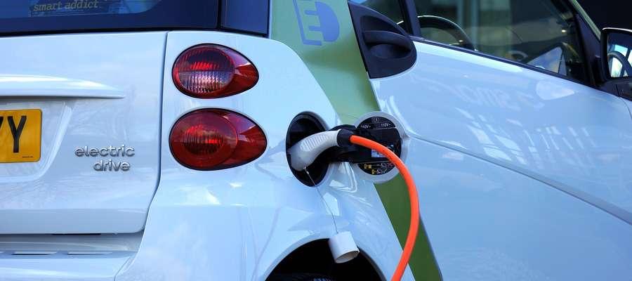 Ile aut elektrycznych mamy w Olsztynie?