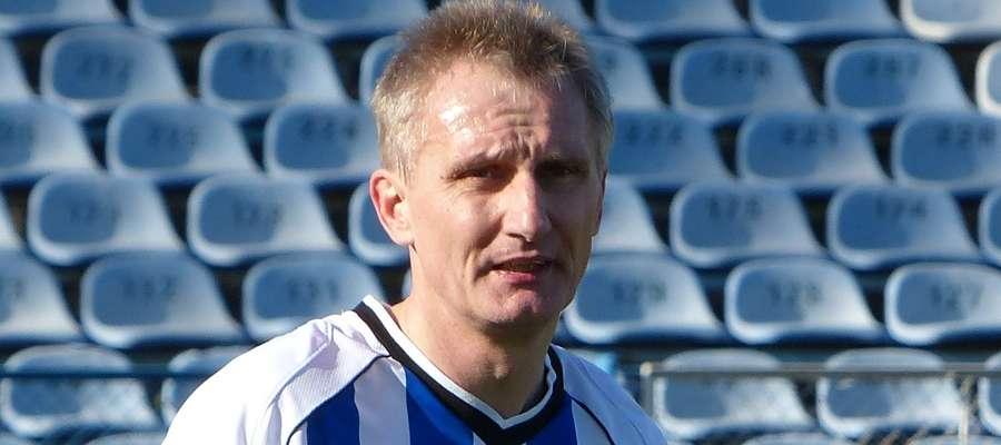 Jarosław Płoski — trener z doświadczeniem, z umiejętnościami, ale na razie bez licencji na prowadzenie zespołu w IV lidze