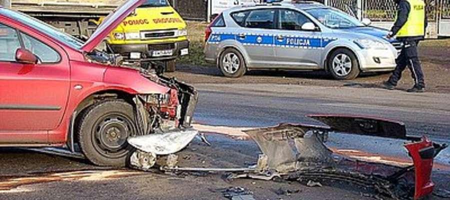 Pijany kierowca ciężarówką uderzył w opla