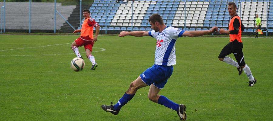 W ostatnim meczu kontrolnym Kormoran przegrał z Jeziorakiem 0:6