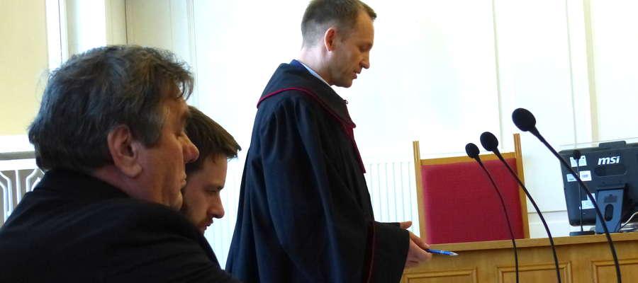 Prokurator wygłasza mowę końcową