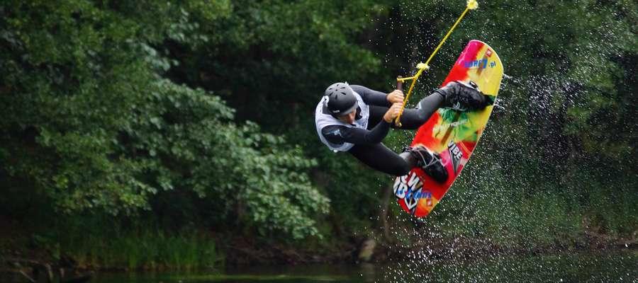 W piątek i sobotę Ostróda będzie gospodarzem mistrzostw Polski w wakeboardzie i wakeskacie
