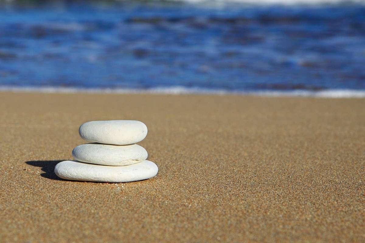 Skuteczne okładanie kamieniami - full image