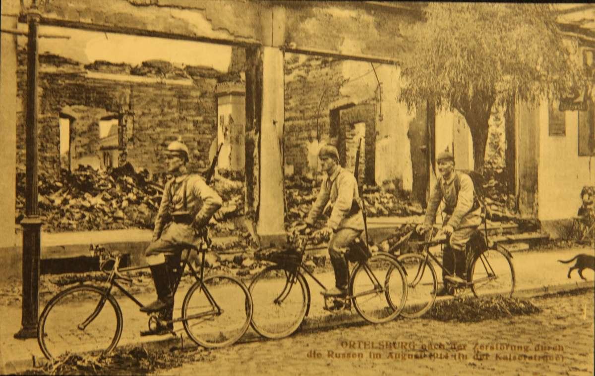 cykliści - full image