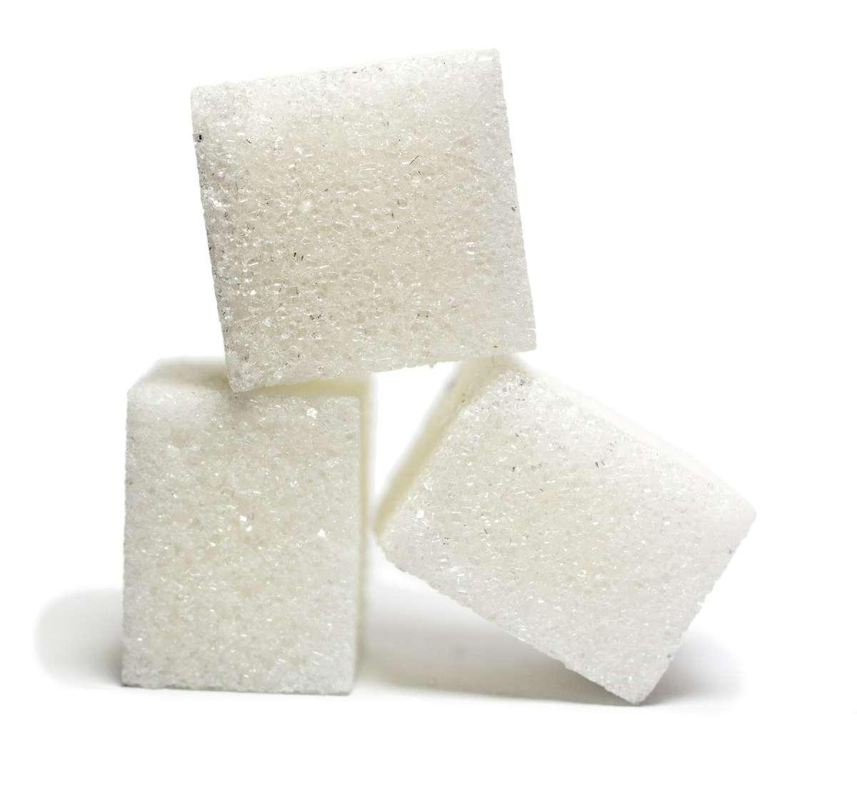 Cukier występuje w chipsach, a jego podwyższony poziom we krwi może być niebezpieczny