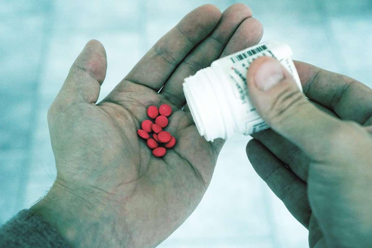 Zakażą reklam suplementów diety i leków bez recepty? - full image