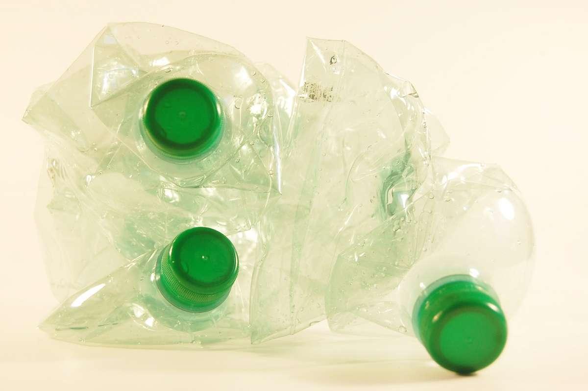Akrylamid odpowiada za chrupkość chipsów. Wykorzystywany jest też m.in. w produkcji plastiku