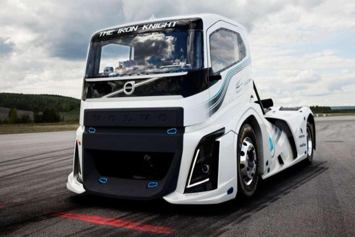 Żelazny Rycerz od Volvo najszybszy  - full image