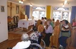 Obecnie w szyldackim Domu Pomocy mieszka sto osób (38 kobiet i 62 mężczyzn) z różnymi problemami natury psychicznej. Można im pomóc, kupując bilet-cegiełkę na Koncert Maltański.