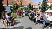 Narodowe Czytanie przy fontannie [film, zdjęcia]