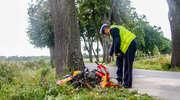 Skuterem uderzyłw drzewo. Groźny wypadek pod Pomorską Wsią