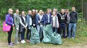 Sprzątanie Świata 2016. Nasi uczniowie sprzątali las