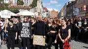 Czarny poniedziałek w Olsztynie. Kobiety strajkują przeciwko całkowitemu zakazowi aborcji w Polsce