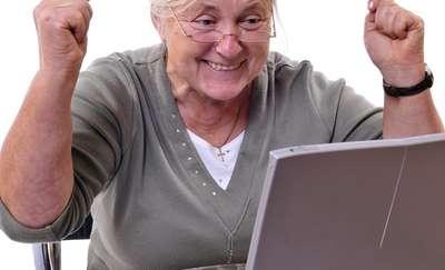 Sieć nie pyta o wiek. Senior kontra komputer