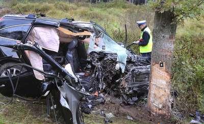 Tragiczny wypadek pod Olsztynem. W szpitalu zmarła pasażerka