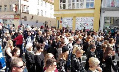 Czarny Protest na olsztyńskiej starówce