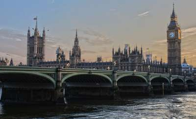 Strzelanina pod brytyjskim parlamentem!