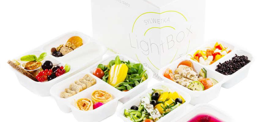 Catering dietetyczny jest coraz bardziej popularny. Jedną z największych firm w branży jest LightBox, który ma ogólnopolskie centrum produkcyjne w Strzegowie.