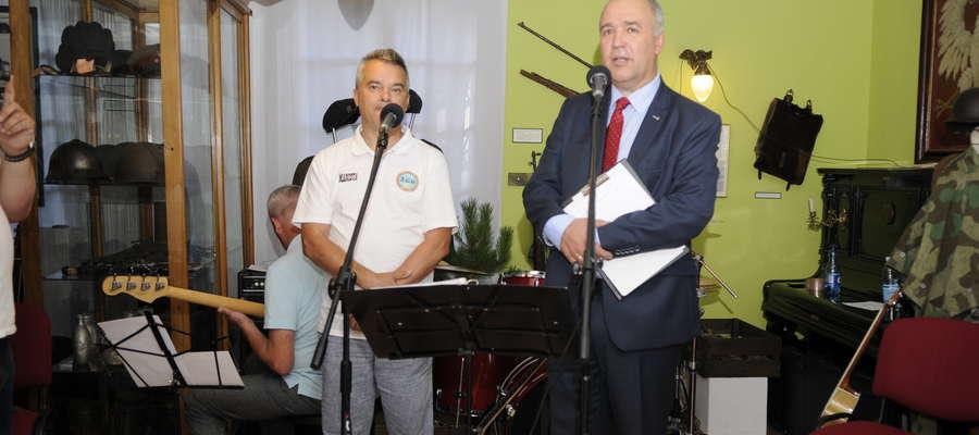 Tadeusz Manista z ŻGH i Jerzy Piotrowski z MMM otwierają wystawę