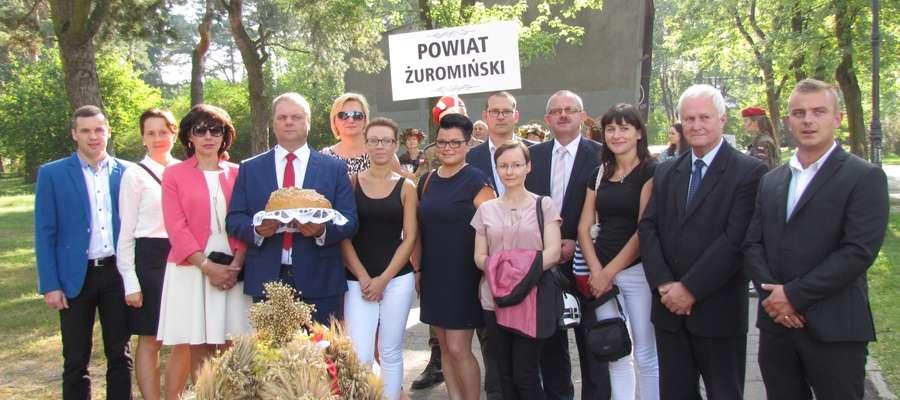 Delegacja z powiatu żuromińskiego wzięła udział w Dożynkach Województwa Mazowieckiego w Otwocku