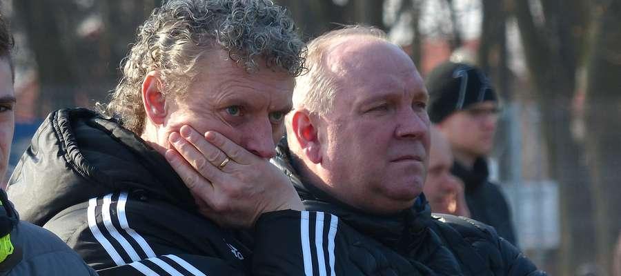Zarząd Motoru (z lewej prezes Marek Olejniczak, z prawej Jerzy Jurkiewicz) liczy, że po niełatwym rozstaniu z poprzednim trenerem i zmianach w ustawieniu, na boisku zobaczymy odmienioną drużynę Motoru