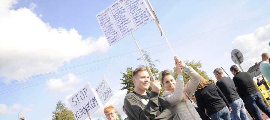 Protest w Uniszkach a w nim mieszkańcy naszego powiatu