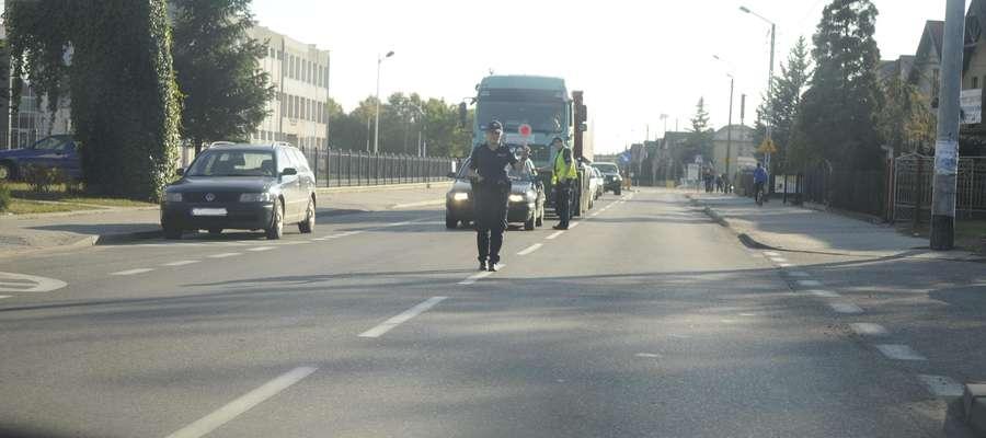 Akcja trzeźwość. Kontrola trzeźwości na ulicy Wyzwolenia w Żurominie