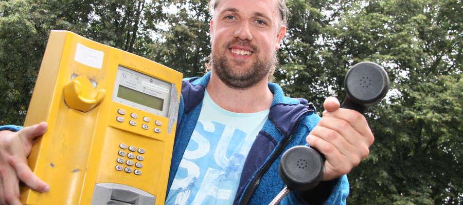 Andrzej Sadowski uratował ostatnią budkę telefoniczną w Olsztynie