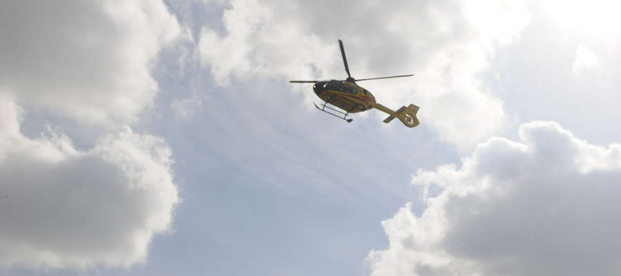 Śmigłowiec zabrał dziewczynkę do szpitala w Warszawie