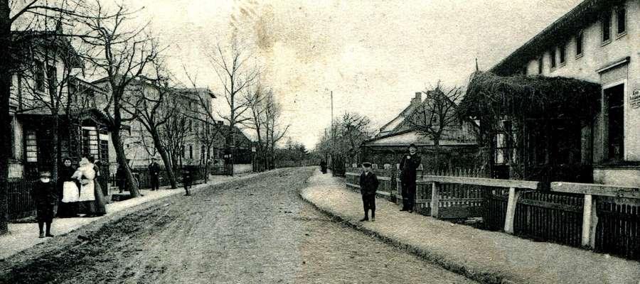 Dawniej obecna ulica Jagiellońska w Nowym Mieście nazywała się Kurzętnicka. Obecną nazwęnadano jej po 1920 roku