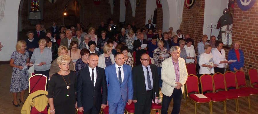 Obecni na inauguracji minutą ciszy uczcili pamięć zmarłego Stanisława Wiatrowskiego