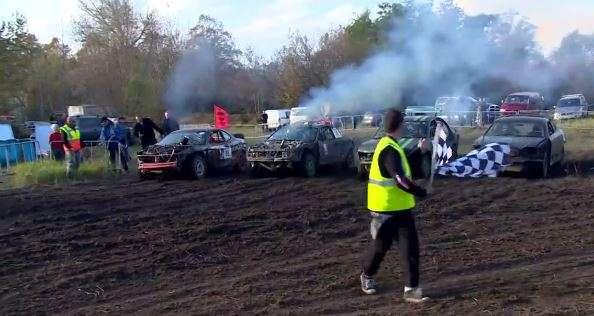 Kierowcy wraków rywalizowali we Wrocławiu - full image