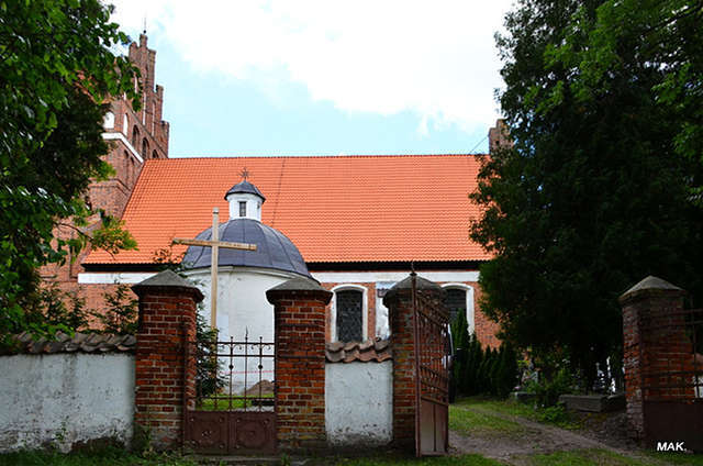 Wozławki: kościół parafialny pod wezwaniem św. Antoniego Opata - full image
