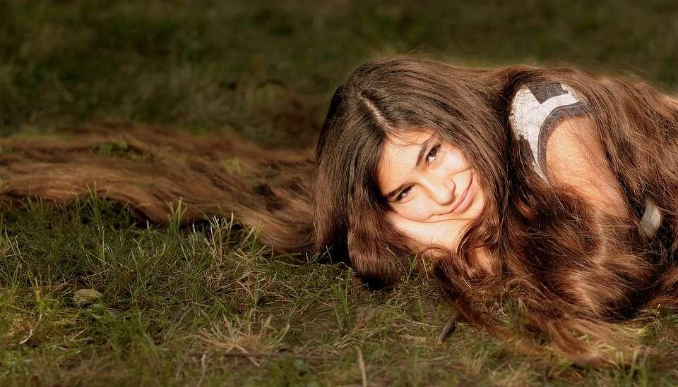 5 domowych sposobów na zdrowe i zadbane włosy - full image