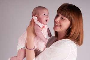 Jak pogodzić macierzyństwo z pracą na pełny etat?