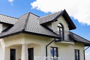 Solidny dach z blachodachówki modułowej