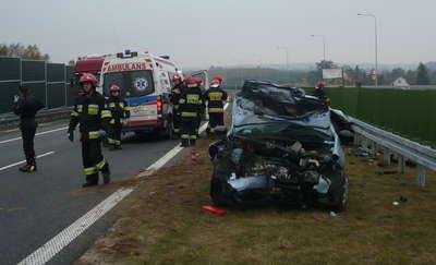 """Na """"siódemce"""" koło Miłomłyna zderzyły się dwa samochody osobowe"""