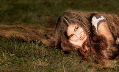 5 domowych sposobów na zdrowe i zadbane włosy