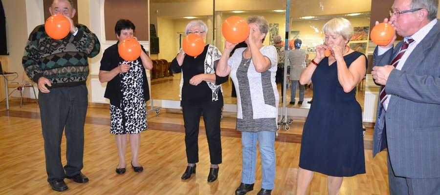 Seniorzy z Bisztynka i okolic bawili się z okazji swojego święta.