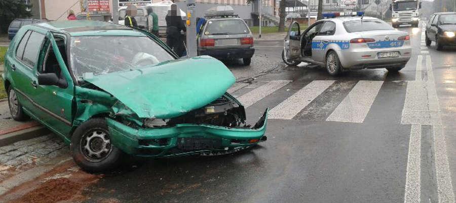 Tym autem kierował 18-latek będący w stanie po uzyciu alkoholu.
