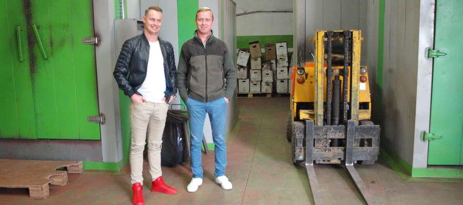 Marek i Krzysztof Pstrągowscy  (od lewej) zaprzeczają, ażeby ich firma była dla kogokolwiek uciążliwa