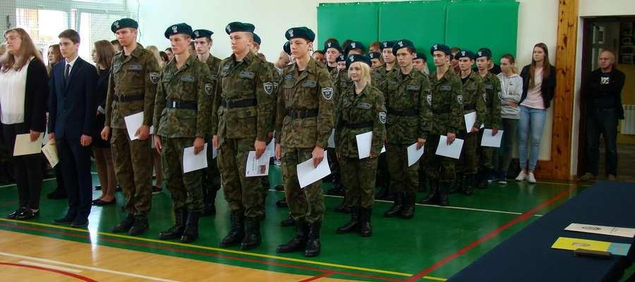 Uczniowie klasy wojskowej otrzymali tytuł kadeta