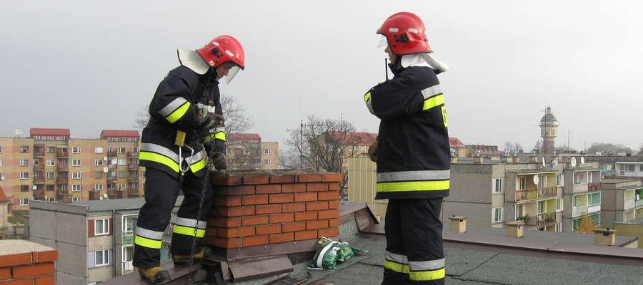 Strażacy przypominają o okresowych przeglądach przewodów kominowych