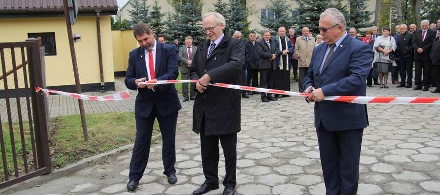 Od lewej:  Wiesław Drewnowski Prezes SHiUZ Bydgoszcz  Francois Desmons – Dyrektor Generalny Genes Diffusion  Leszek Hądzlik Prezydent PFHBiPM