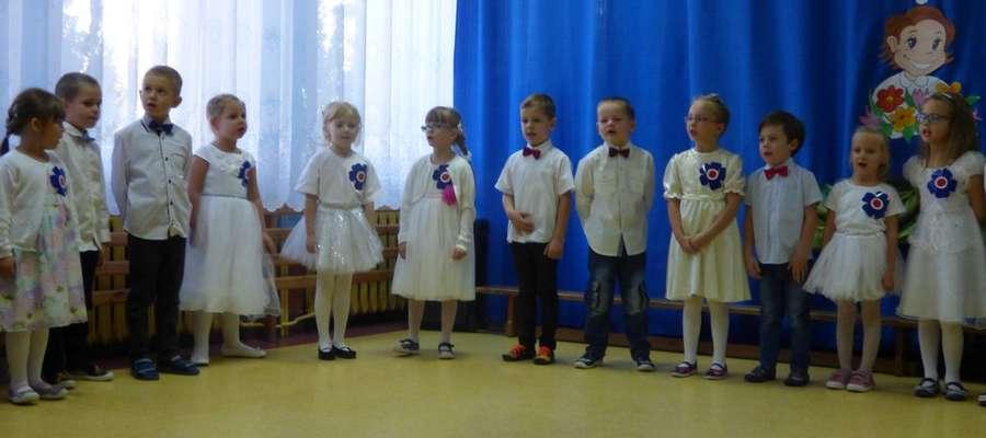 Występ dzieci z okazji Dnia Nauczyciela