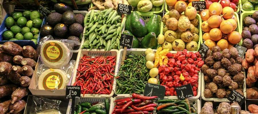 Jedz kolorowo! Co oznaczają barwy warzyw i owoców?
