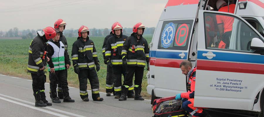 Strażacy interweniowali m.in. na miejscu tragicznego wypadku drogowego w pobliżu Łojd w gm. Bartoszyce.